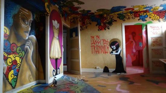 Стрит-арт дом под снос в Париже